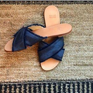 Stuart Weitzman edge out sandals